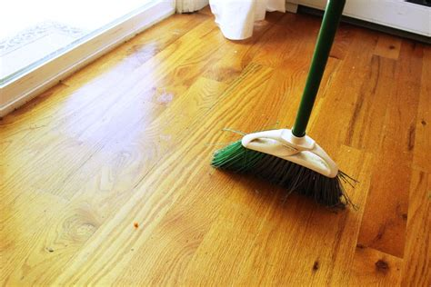 What To Mop Hardwood Floors With by How To Clean Hardwood Floors Interior Designs