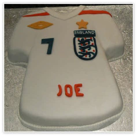 Football Shirt Cake Images   Birthday Cakes   Essex