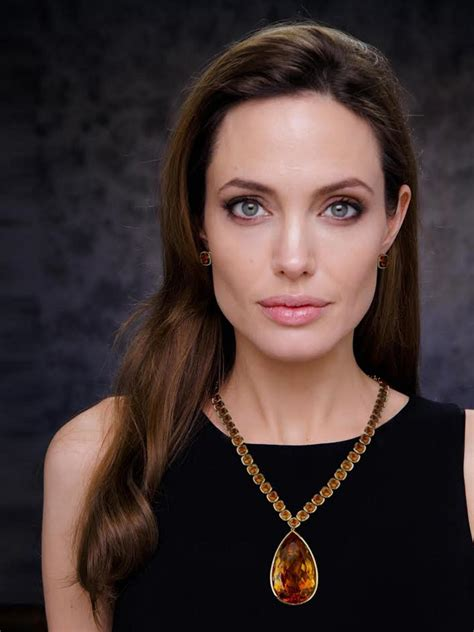 angelina jollie angelina jolie donates yellow citrine necklace to smithsonian