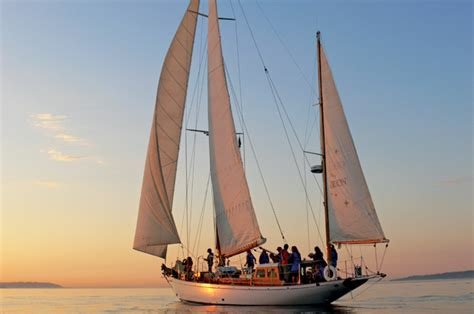 sailboat rental seattle learn how to sail a boat in seattle seattle magazine