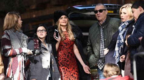 dramanice x family watch modern family online season 1 with english subtitles