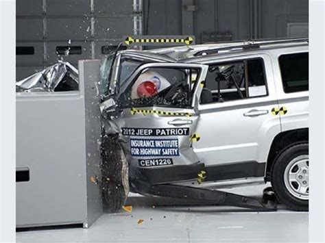 Jeep Patriot Crash Test Foto Jeep Patriot 2014 Crash Test Small Overlap Iihs 2013