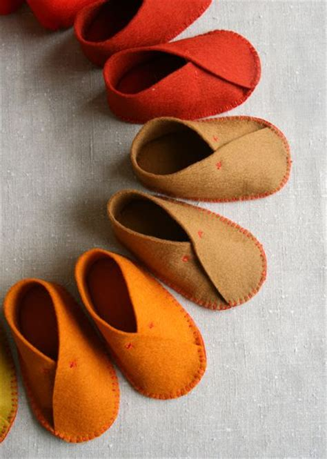 pattern for felt baby shoes free pattern felt baby shoes sewing diy tutorial baby