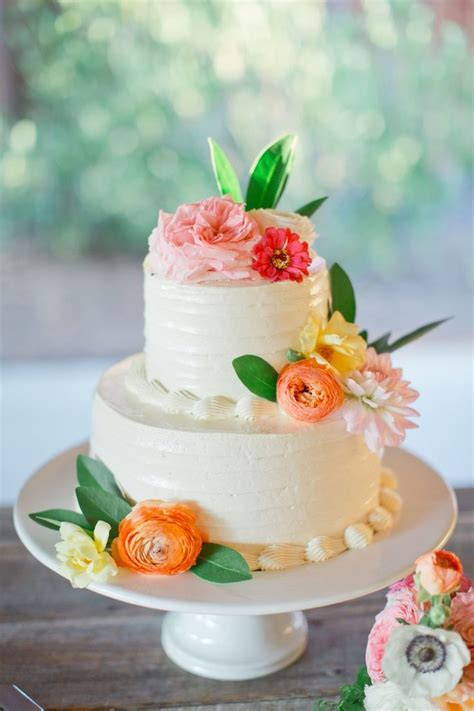 Palmetto Flowers - perfect wedding cake for summer weddings