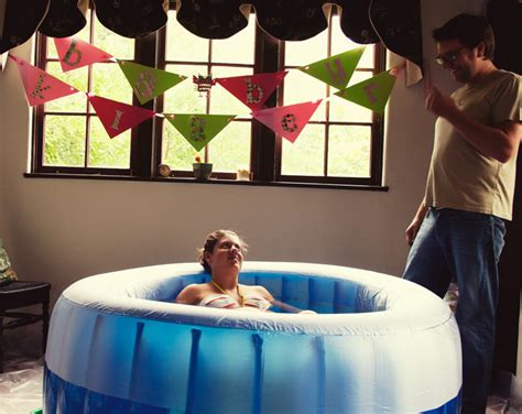 giving birth in a bathtub a home water birth selah s birth story swish swoon