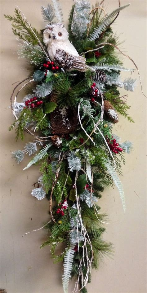 best 25 christmas swags ideas on pinterest outdoor