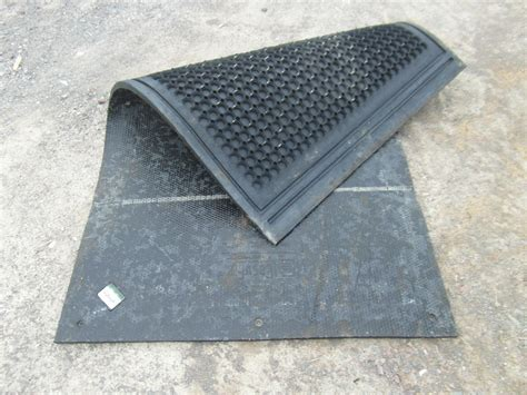 Solid Rubber Mats solid rubber mat 6ft x 4ft x 17mm cobble top smith fencing