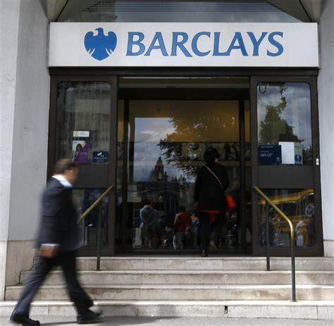 barclays bank berlin barclays chef verbietet flipflops im b 252 ro welt
