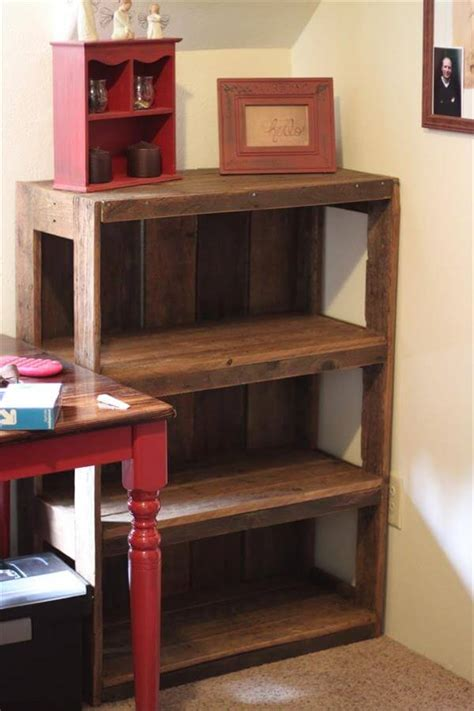 diy wood pallet bookshelf tutorial 99 pallets
