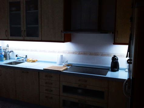 iluminacion encimera tira led para iluminar encimera cocina mi luz led