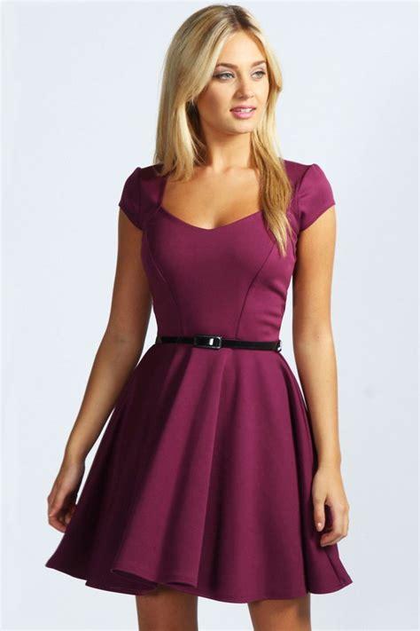 Dress Fashion Skater lara sweetheart neck skater dress