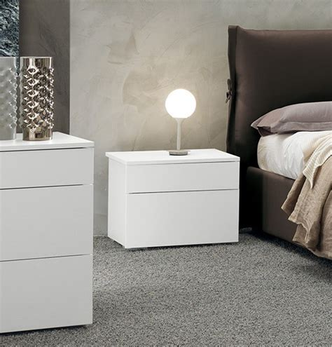 comodino moderno comodino moderno e di design laccato bianco opaco