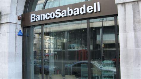 solvencia banco sabadell s p saca al sabadell bono basura tras la venta de su