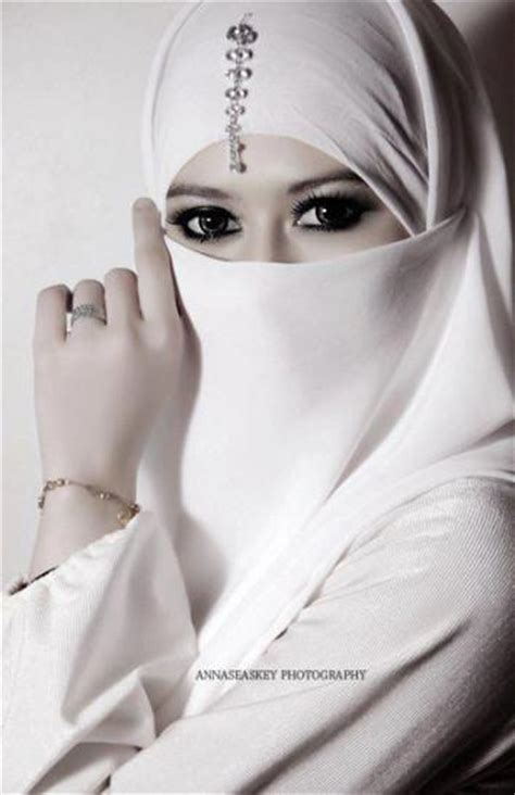 womens hairstyle covers half of her face beautiful white niqab hijab styles hijab pictures