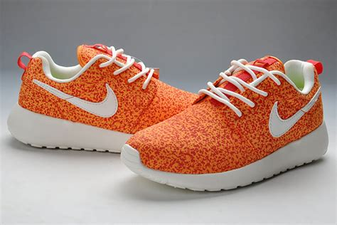 white pattern nikes womens nike roshe run one pattern orange white