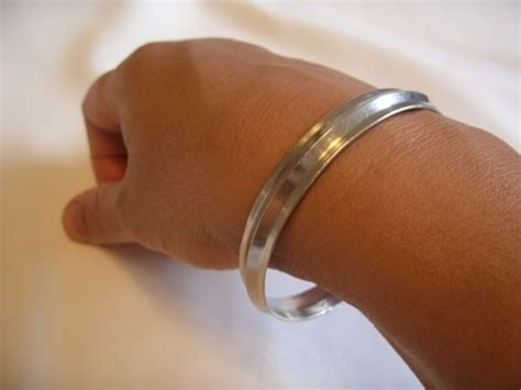 Benefit Of Wearing Iron Ring In Hundi by Do You Wear Any Bracelets Or Rings Permanently Answer