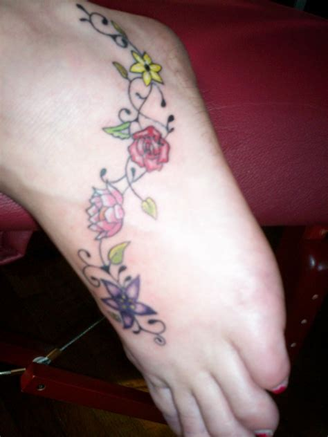tattoo hippie flower hippie foot tattoo by iluvdbush on deviantart