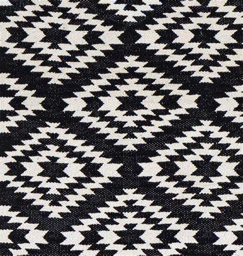 teppich weiß muster k 252 che weiss boden schwarz