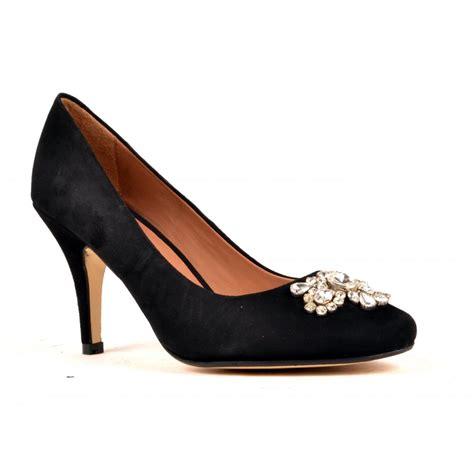 carlton alley suede court shoe black carlton