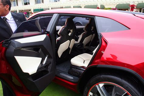 lamborghini urus doors open lamborghini urus is the suv you should rob a bank with