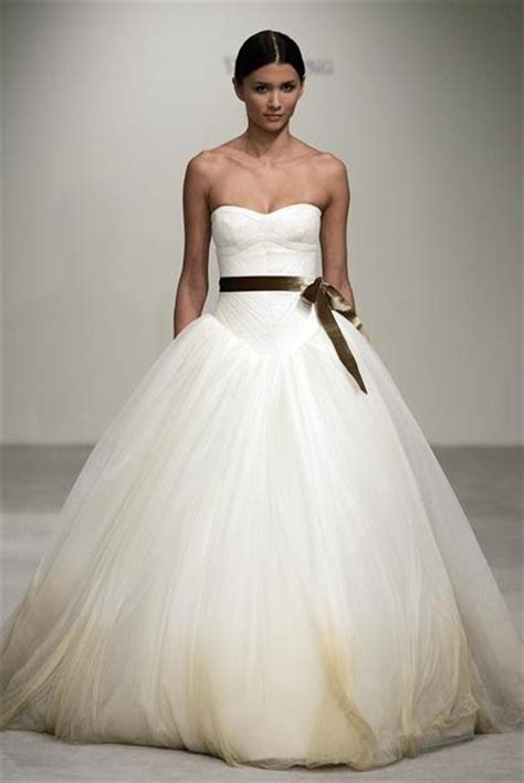 7 Most Amazing Dresses From Chicstarcom by Do You See Unicorns Most Amazing Wedding Dress In