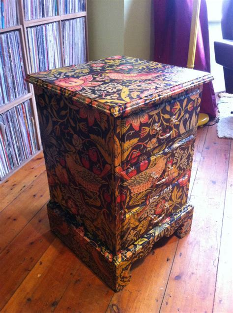 How To Use Decoupage - decoupage furniture tutorial images