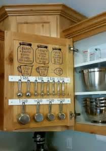 measuring kitchen cabinets best 25 inside kitchen cabinets ideas on pinterest