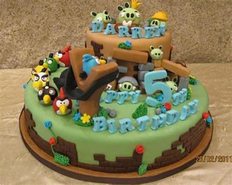 Pet Simple Susun 2 pin kue ulang tahun helo dengan ukuran ultah 20 x
