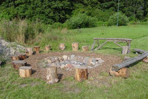 Sitzgelegenheit Feuerstelle by Die Befestigte Feuerstelle Mit Sitzgelegenheiten