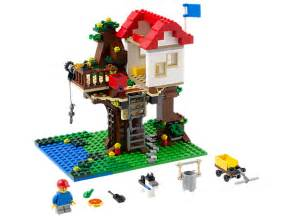 Treehouse lego shop