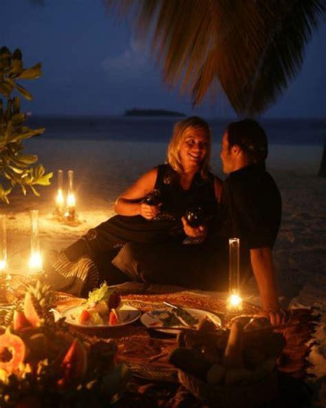 imagenes de parejas romanticas cenando im 225 genes rom 225 nticas de cena en la playa