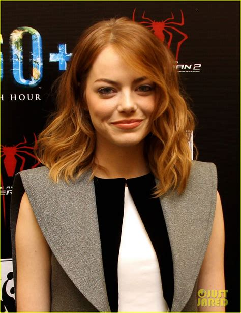 emma stone just jared emma stone andrew garfield hold hands at earth hour kick