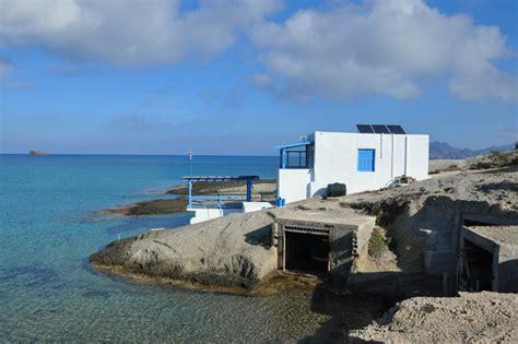 comprare casa in grecia tutti a comprare casa in grecia ma il mercato resta congelato