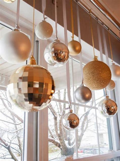 cute christmas window decorations digsdigs