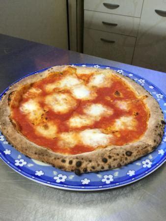 camino pizza pizza foto di il camino montella tripadvisor
