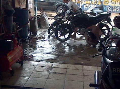 Alat Cuci Motor Bandung usaha bengkel dan cuci steam motor di karang tengah