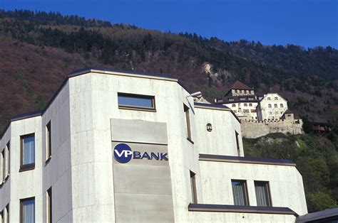 vaduz bank file vp bank in vaduz jpg wikimedia commons