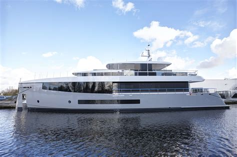 m motor yacht yacht avatar feadship charterworld luxury superyacht