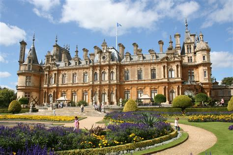waddesdon manor file waddesdon jpg wikimedia commons