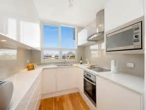 U Shaped Kitchen Design Ideas Cocinas Peque 241 As En Forma De U 38 Dise 241 Os Fant 225 Sticos