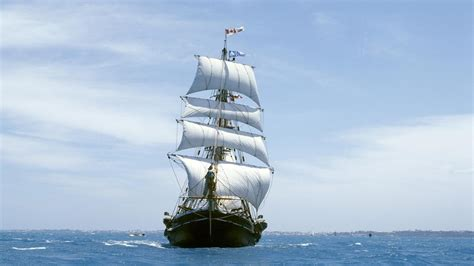 boat size for ocean travel sailboat in the ocean android wallpapers for free