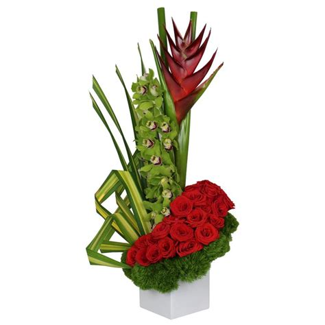 the amazing flower arrangements were created by florist in the 1614 best images about detalles florales on pinterest