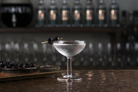 dry martini shaken not stirred 100 dry martini shaken not stirred belvedere 007