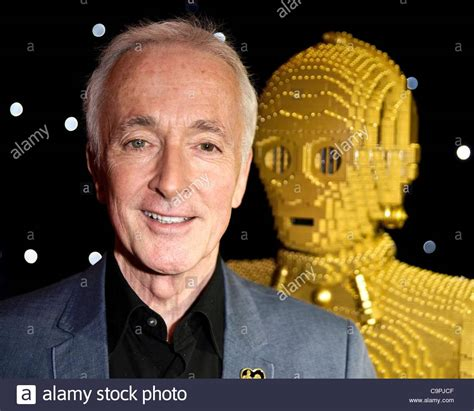 anthony daniels star wars anthony daniels who played c3po in all 6 star wars movies