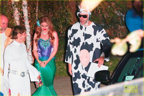 Borat Isla And Purple Dress by Sacha Baron Cohen Isla Fisher Dress Up For