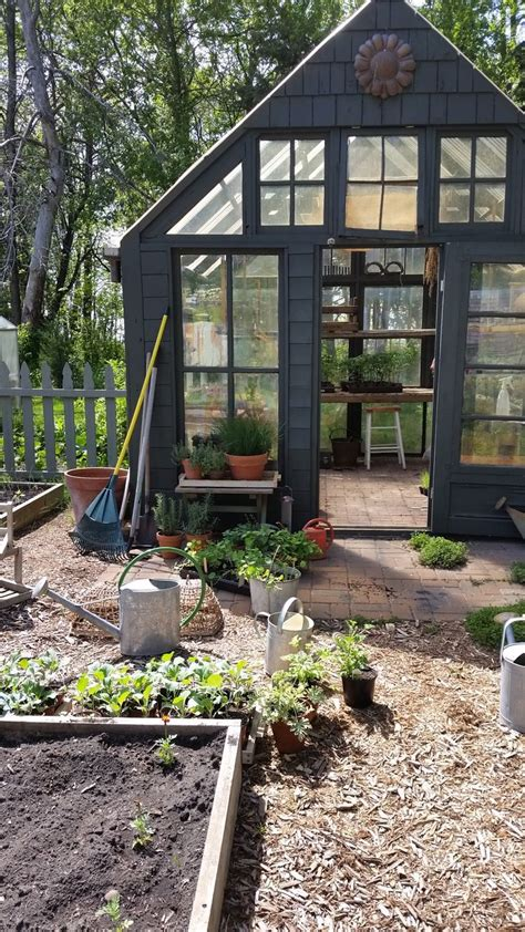 Garden Sheds And Greenhouses by 1000 Ideas About Potting Sheds On Garden