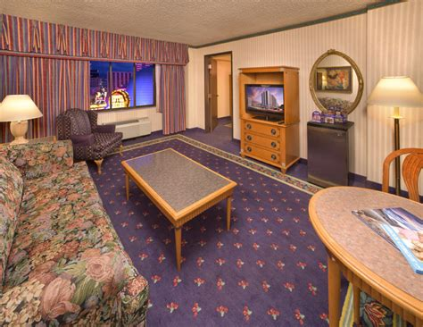 reno hotel rooms circus circus hotel casino reno 2017 room prices deals reviews expedia