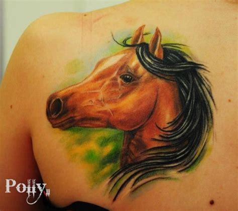 tatuaje realista espalda caballo por lacute tattoo