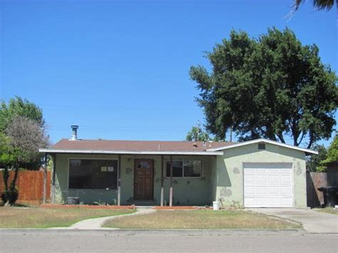 houses for sale in newman ca 899 lee avenue newman ca 95360 detailed property info reo properties and bank