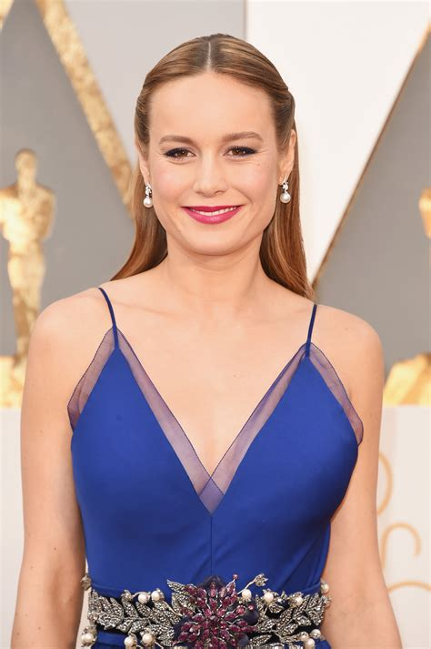 hollywood actress makeup room brie larson is a best actress oscars 2016 winner for room